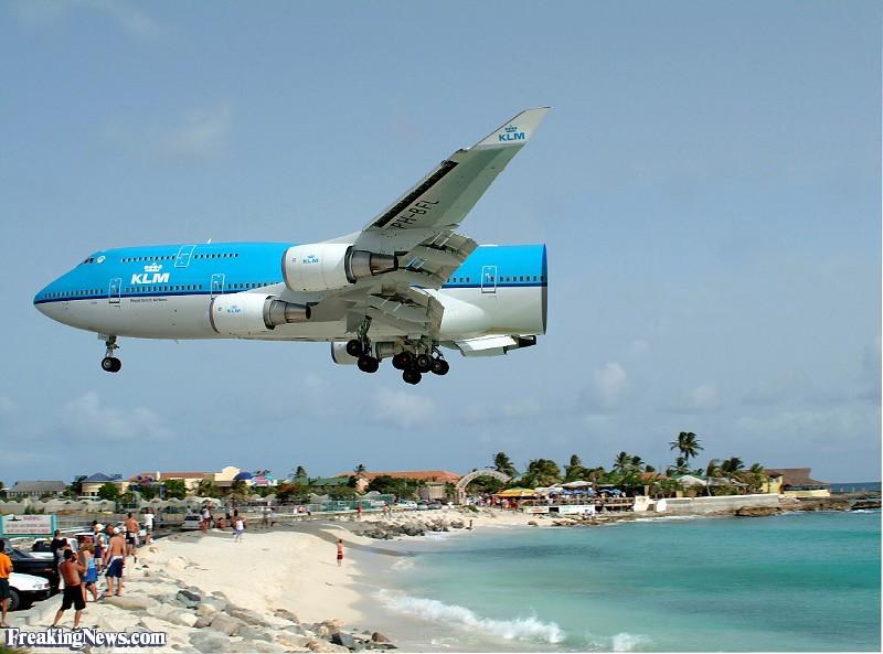FunnyAirplanePictures-FreakingNews.jpg